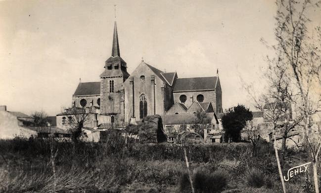 Saint-Hilaire-de-Riez (Vendée) L'église côté Sud CPA