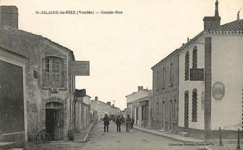 Saint-Hilaire-de-Riez (Vendée) La Grande Rue CPA