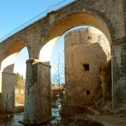 Saint-Hippolyte-du-Fort (Gard) La tour St Jean et le viaduc