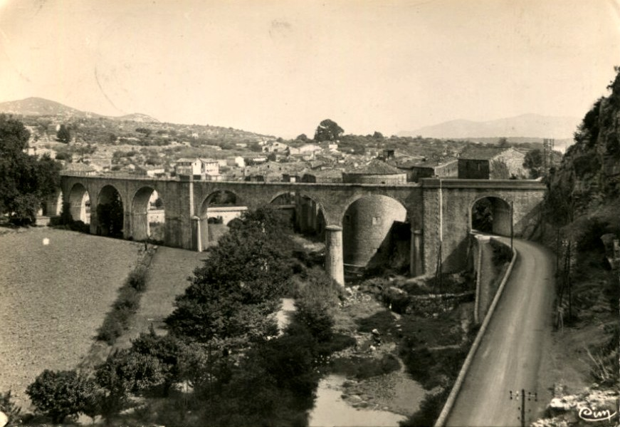 Saint-Hippolyte-du-Fort (Gard) CPA Le Viaduc