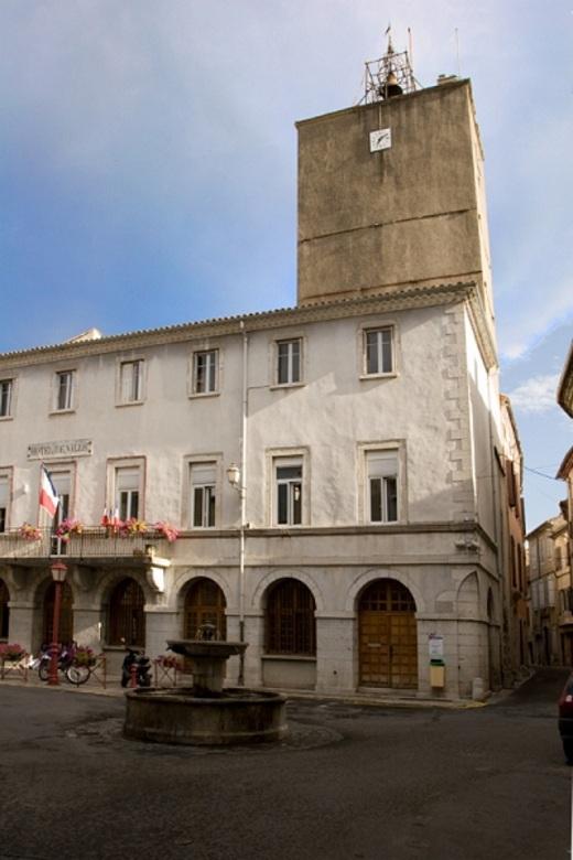 Saint-Hippolyte-du-Fort (Gard) L'Hôtel de Ville et l'horloge