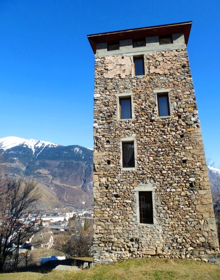 Saint-Jean-de-Maurienne (Savoie) La tour de la Fournache