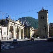 Saint-Jean-de-Maurienne (Savoie) La cathédrale et l'ancien clocher