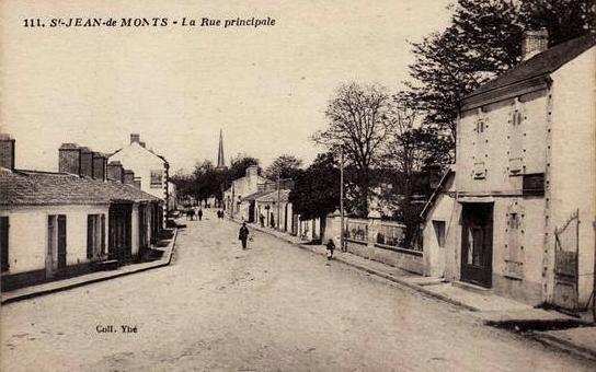 Saint-Jean-de-Monts (Vendée) La rue principale CPA