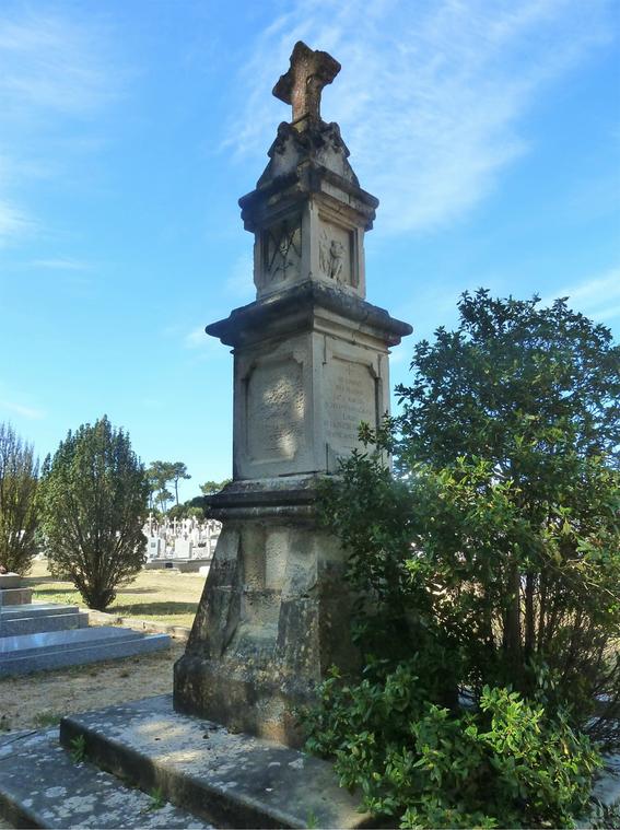 Saint-Jean-de-Monts (Vendée) Le monument Crochet