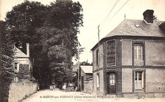 Saint-Martin-aux-Buneaux (Seine Maritime) Café CPA 1935