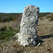 Saint-Maurice-Navacelles (Hérault) Soulagets, le menhir