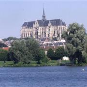 Saint-Quentin (Aisne) la Basilique Saint Quentin