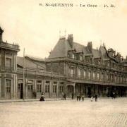 Saint-Quentin (Aisne) CPA la gare et le  tramway avant 1914