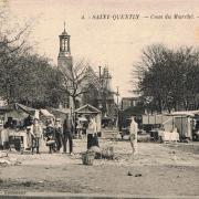 Saint-Quentin (Aisne) CPA le marché place Babeuf