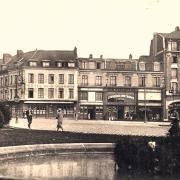 Saint-Quentin (Aisne) CPA la place du 8 octobre