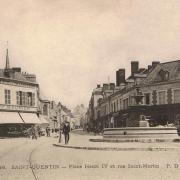 Saint-Quentin (Aisne) CPA la place Henri IV