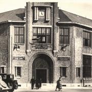 Saint-Quentin (Aisne) CPA le bureau de Poste