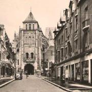 Saint-Quentin (Aisne) CPA la rue Saint André