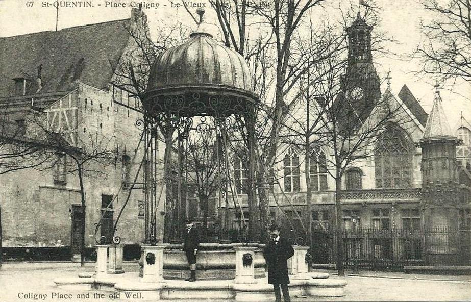 Saint-Quentin (Aisne) CPA le vieux puits