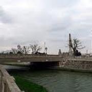 Saint-Quentin (Aisne) les phares du pont d'Isle