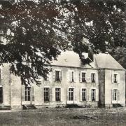 Saint-Saulge (Nièvre) Le château Saint-Pierre CPA