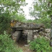 Sainte-Eulalie-de-Cernon (Aveyron) Baraque, dolmen des Rafènes