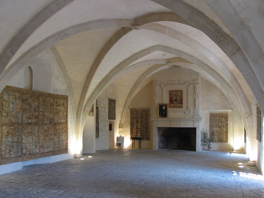 Sainte-Eulalie-de-Cernon (Aveyron) La Commanderie, salle d'Honneur