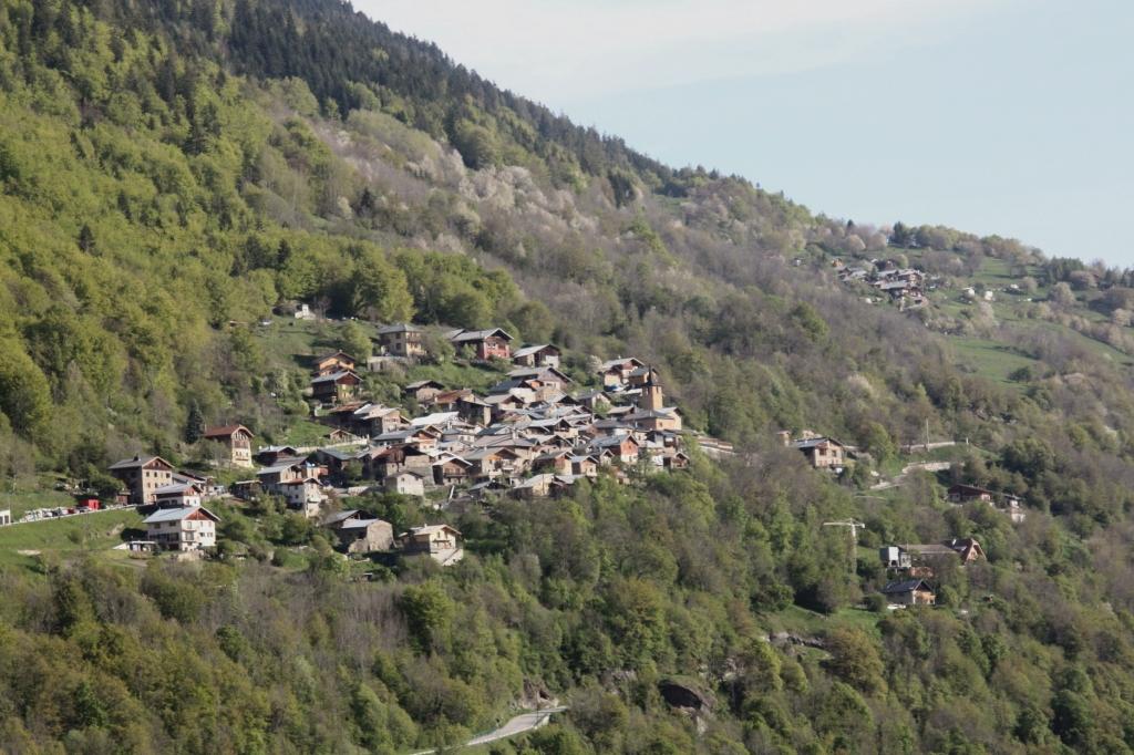 Salins-Fontaine (Savoie) Fontaine-le-Puits, vue générale
