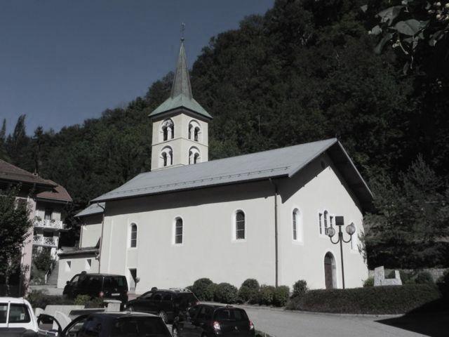 Salins-Fontaine (Savoie) L'église Saint Maurice