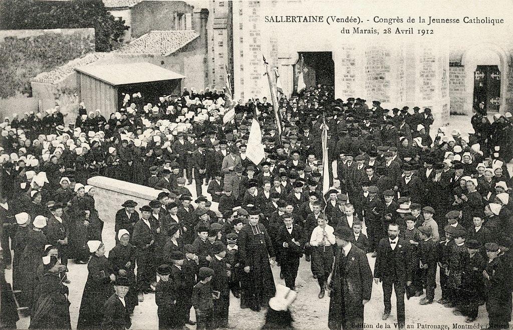Sallertaine (Vendée) L'église Saint Martin ancienne en 1912 CPA