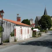 Sallertaine (Vendée) Les deux églises
