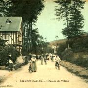 Les Grandes-Dalles, l'entrée du village CPA