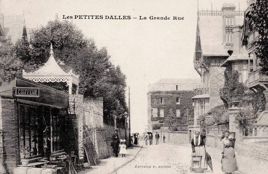 Les Petites-Dalles, la grande rue CPA