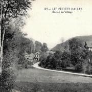 Les Petites-Dalles, l' entrée du village CPA