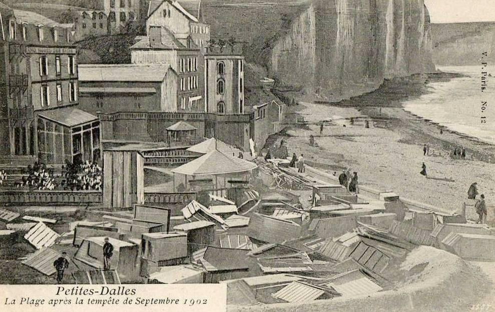 Les Petites-Dalles, après la tempête de 1902 CPA