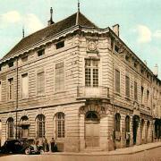 Saulieu (Côte d'Or) L'Hôtel de ville CPA