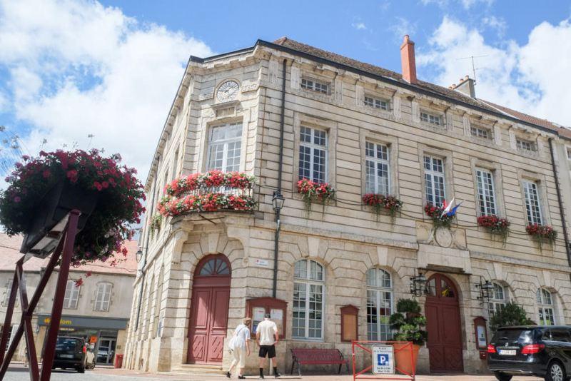 Saulieu (Côte d'Or) L'Hôtel de ville