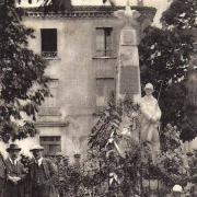 Sauve (Gard) CPA Le monument aux morts