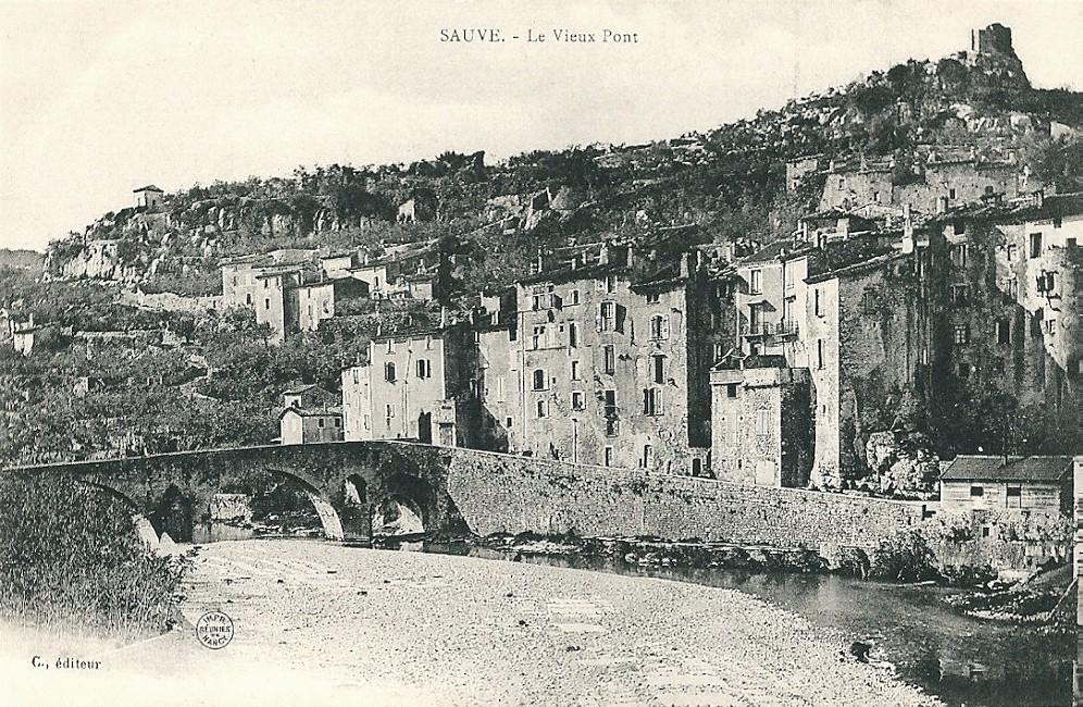 Sauve (Gard) CPA Le Vieux Pont