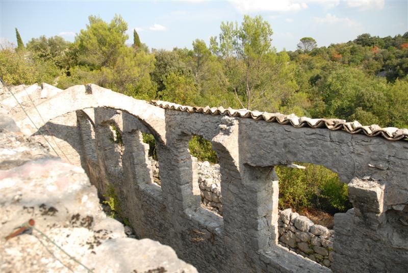 Sauve (Gard) L'orangerie du château de Roquevaire