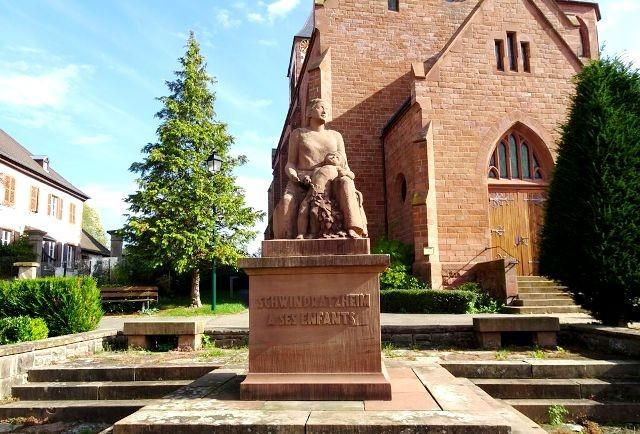 Schwindratzheim 67 le monument aux morts