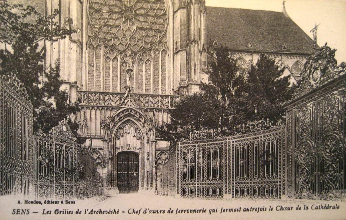 Sens (89) La cathédrale Saint-Etienne CPA