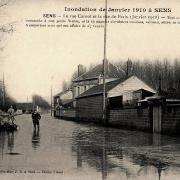 Sens (89) La rue Carnot, inondations 1910 CPA