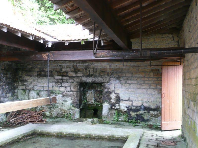 Stenay (Meuse) Cervisy, le lavoir