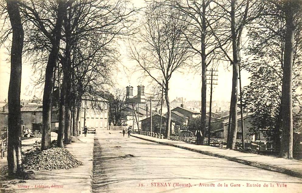 Stenay (Meuse) L'avenue de la Gare CPA