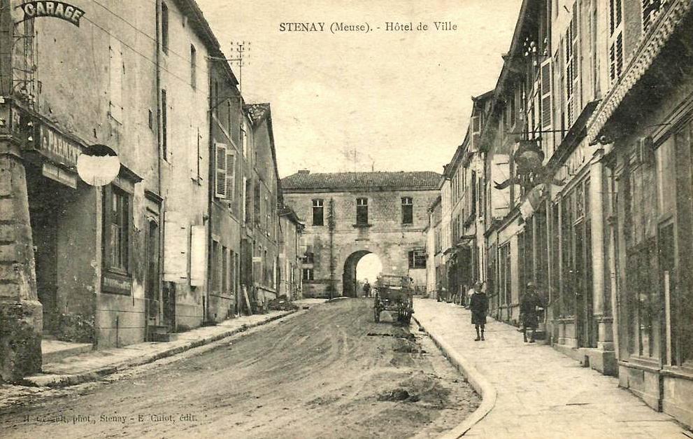Stenay (Meuse) L'ancienne mairie CPA