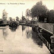 Stenay (Meuse) La passerelle et l'écluse CPA