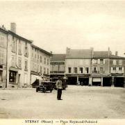 Stenay (Meuse) La place Raymond Poincaré CPA