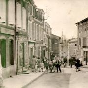 Stenay (Meuse) La rue du général de Gaulle CPA