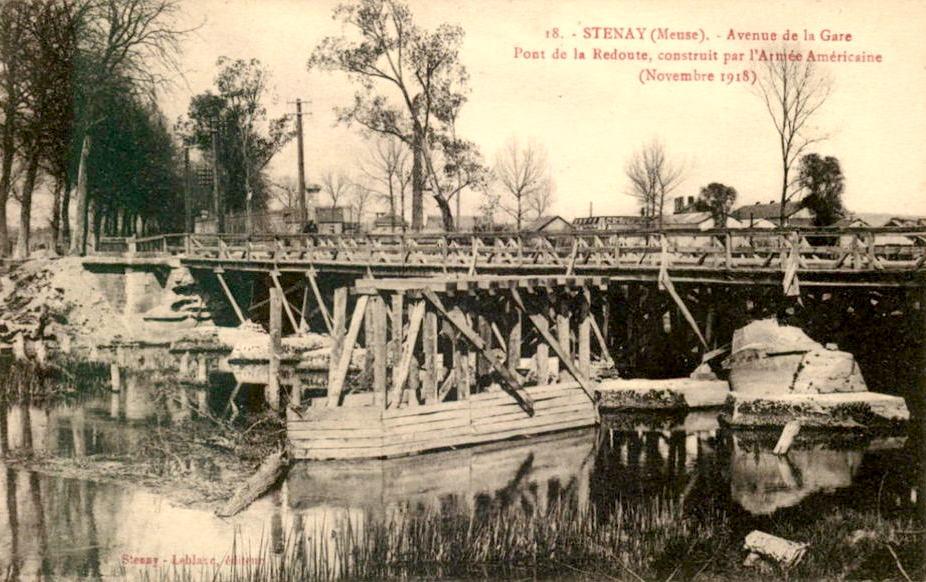 Stenay (Meuse) Le pont de la Redoute 1918 CPA