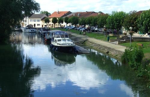 Stenay (Meuse) Le port
