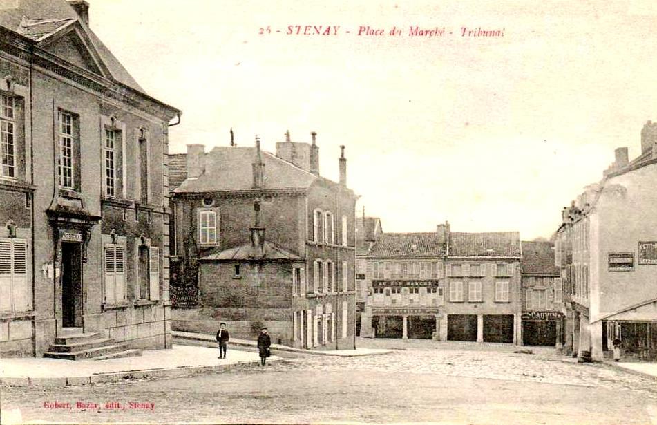 Stenay (Meuse) Le Tribunal, place du marché  CPA