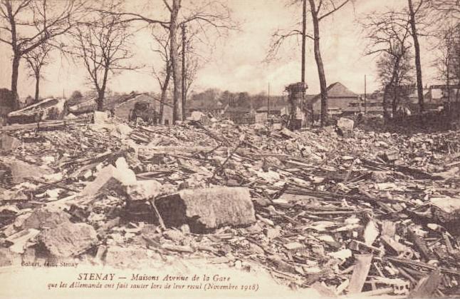 Stenay (Meuse) Pendant la guerre, la gare CPA