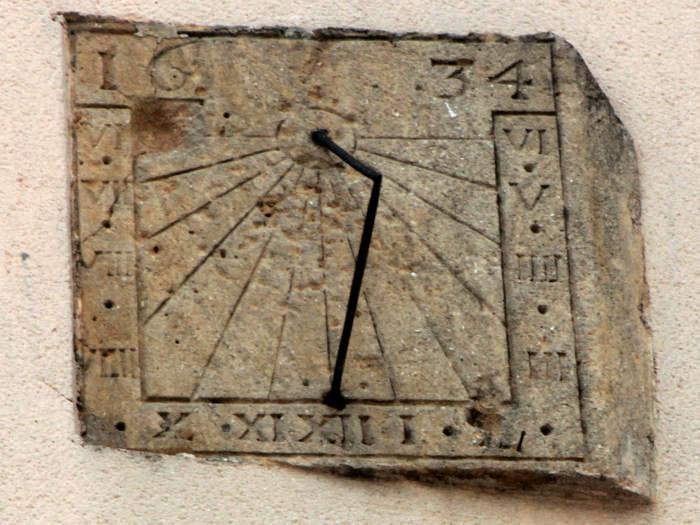 Stenay (Meuse) Un cadran solaire de 1634